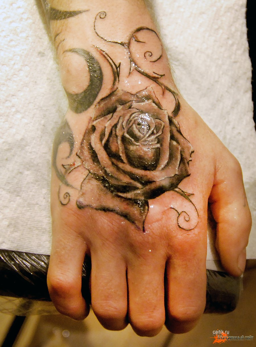 rose-tattoo3.jpg