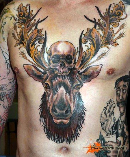 татуировка оленя с черепом на голове