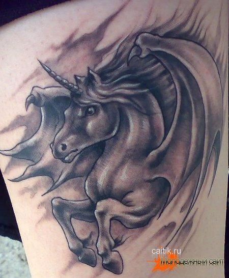 значение татуировки единорог