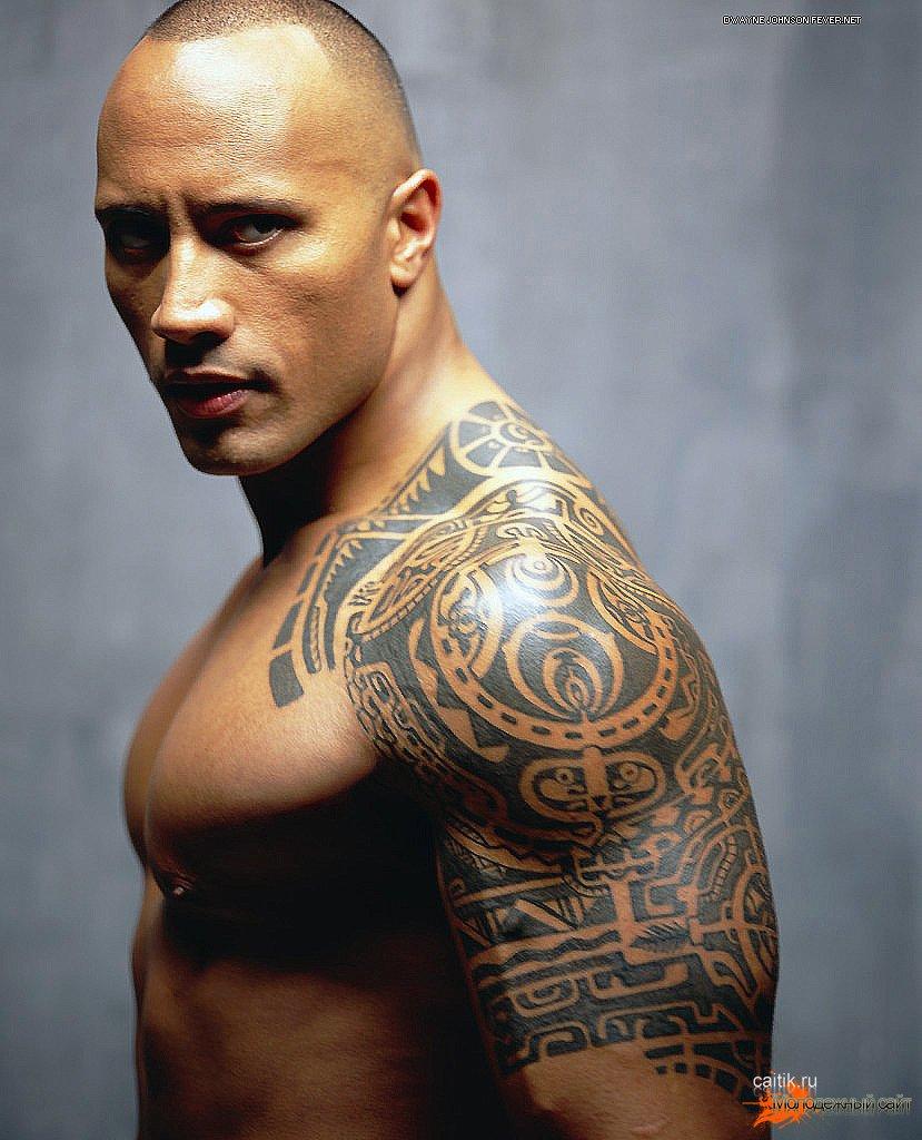 Что означает тату на плече у мужчины