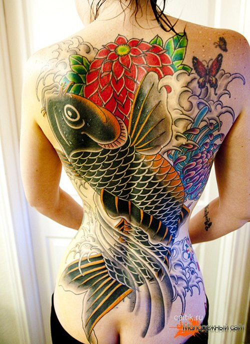 женская татуировка карп на всю спину