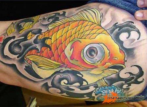 татуировка золотая рыбка