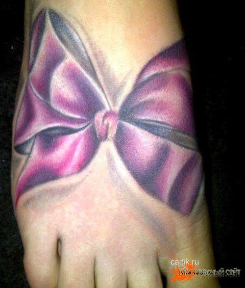 татуировка фиолетовый бантик