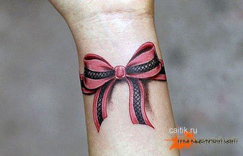 татуировка бантик на запястье