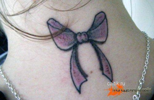 татуировка бантик на шее