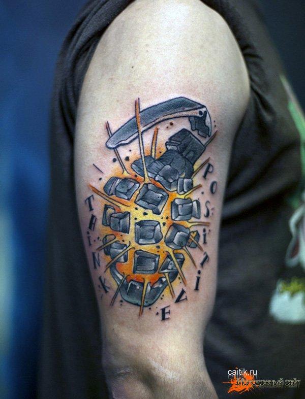 татуировка на плече взрывающаяся граната