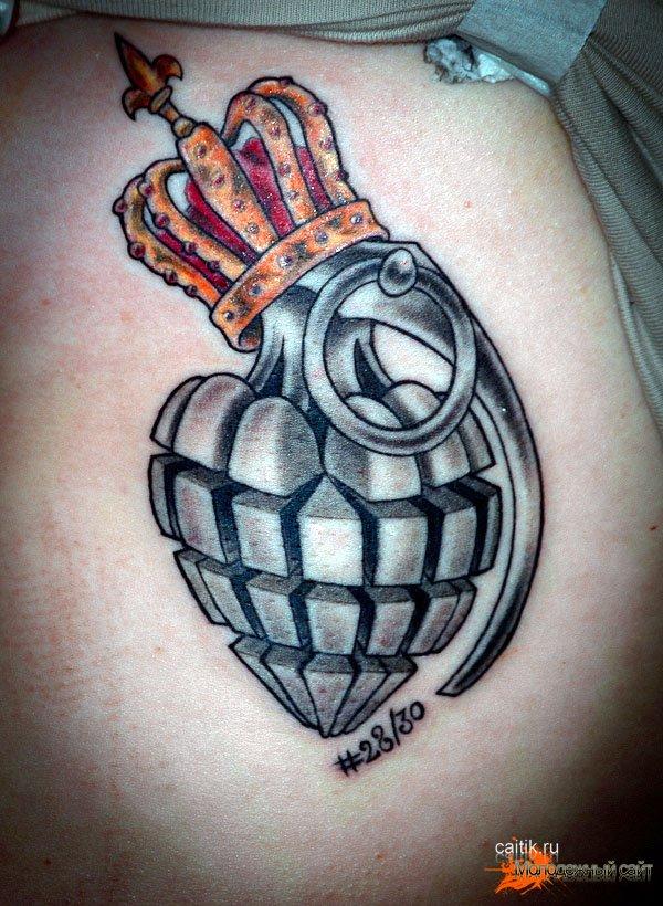 татуировка граната с кароной