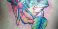 татуировка лягушка на ветке