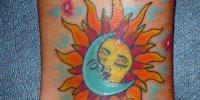 татуировка солнце целует луну