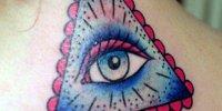 татуировка Всевидящее Око на шее