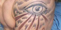 татуировка на плече Всевидящее Око