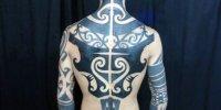 татуировка стиль Blackwork на все тело
