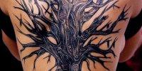 татуировка дерево у на всю спину