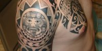 новозеландские татуировки Маори на плече