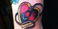сердце с петлей татуировка