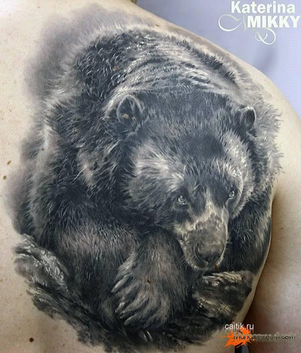 мишка татуировка в стиле реализм