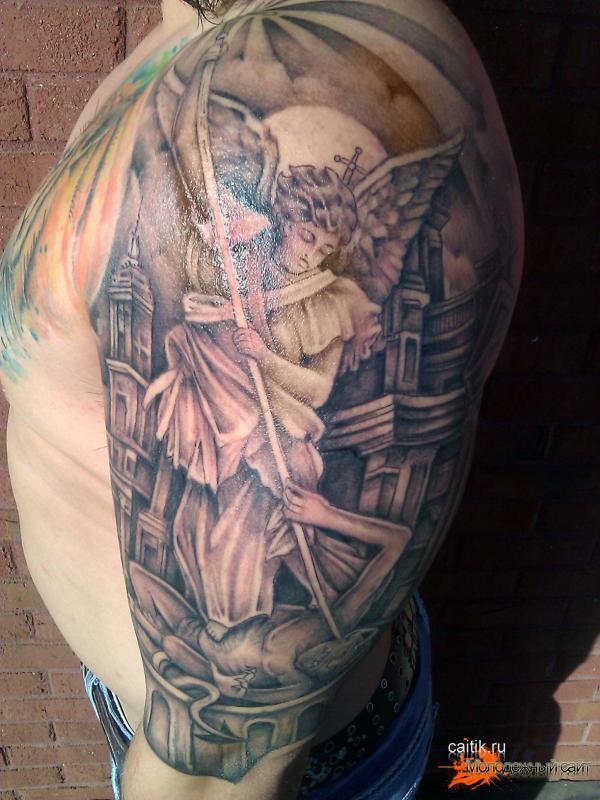 татуировка на всю спину Святой Михаил