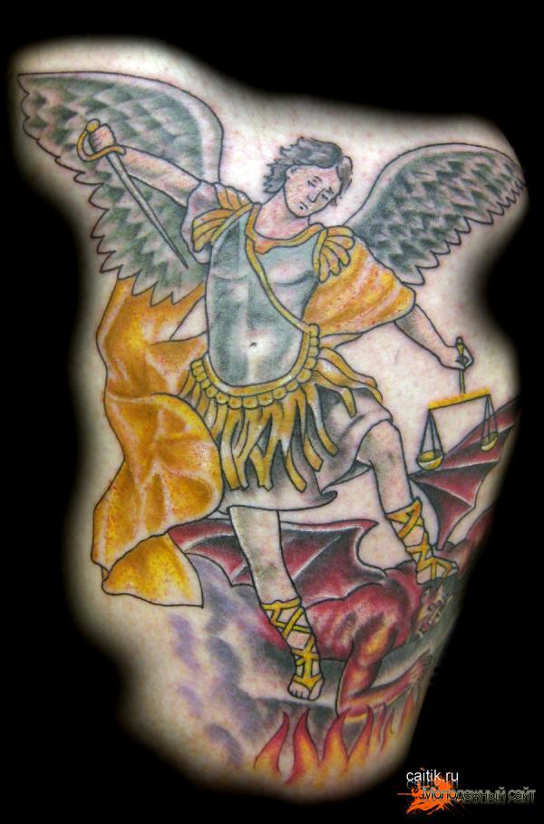 борющийся с дьяволом Святой Михаил