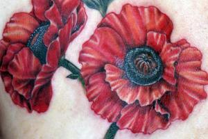 2 красных мака татуировки
