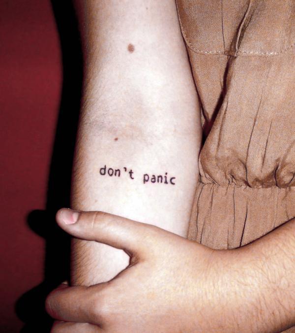 Don't Panic на правой руке